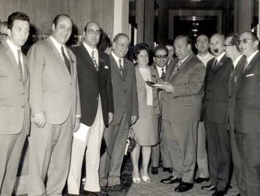 Tom Ponzi insieme ad investigatori e collaboratori dell'epoca durante il Congresso Nazionale Federpol a Saint Vincent - 15/17 maggio 1970